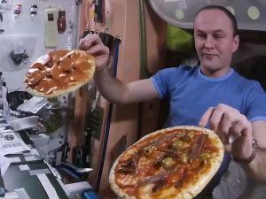 spacepizza1