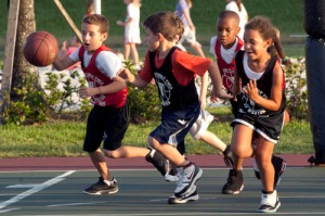 kids-playing-basketball