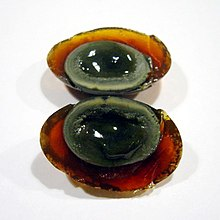 220px-Century_egg_sliced_open